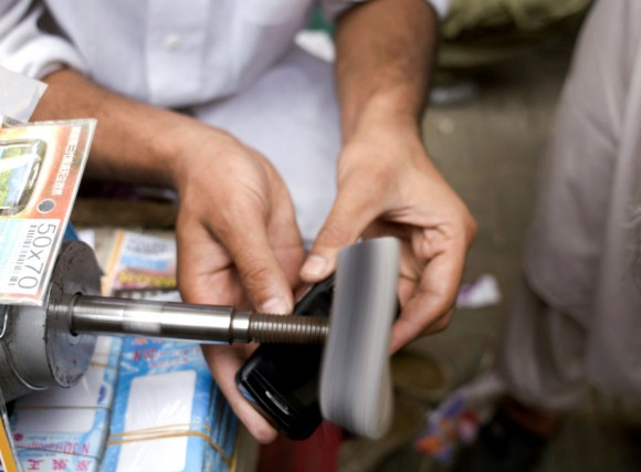 Afghanistan: mobile phone polishing